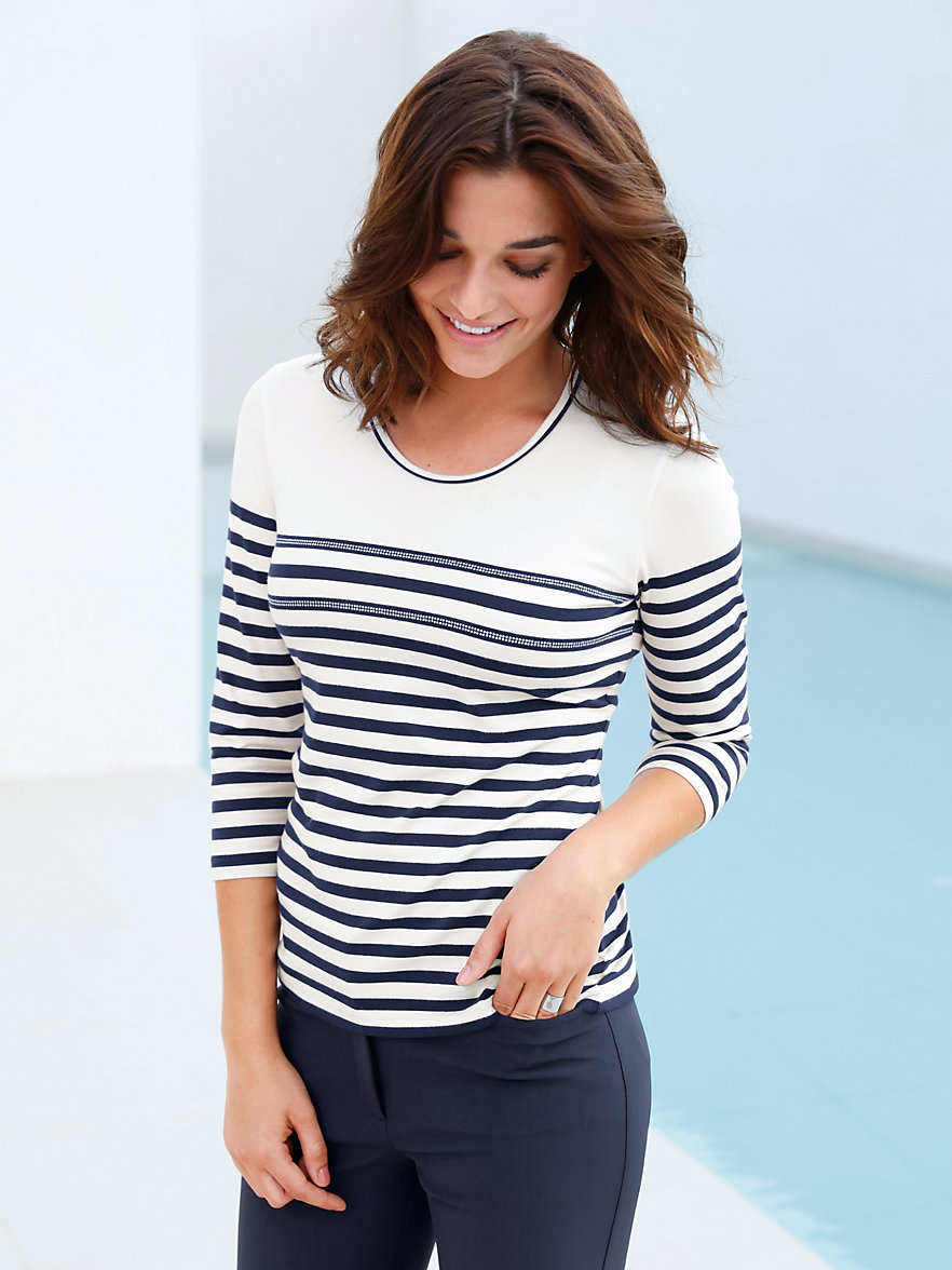http://media.peterhahn.de/is/image/peterhahn/F/gerry-weber-rundhals-shirt-mit-3-4-arm-ecru-marine-902072_CAT_M_111215_151447.jpg