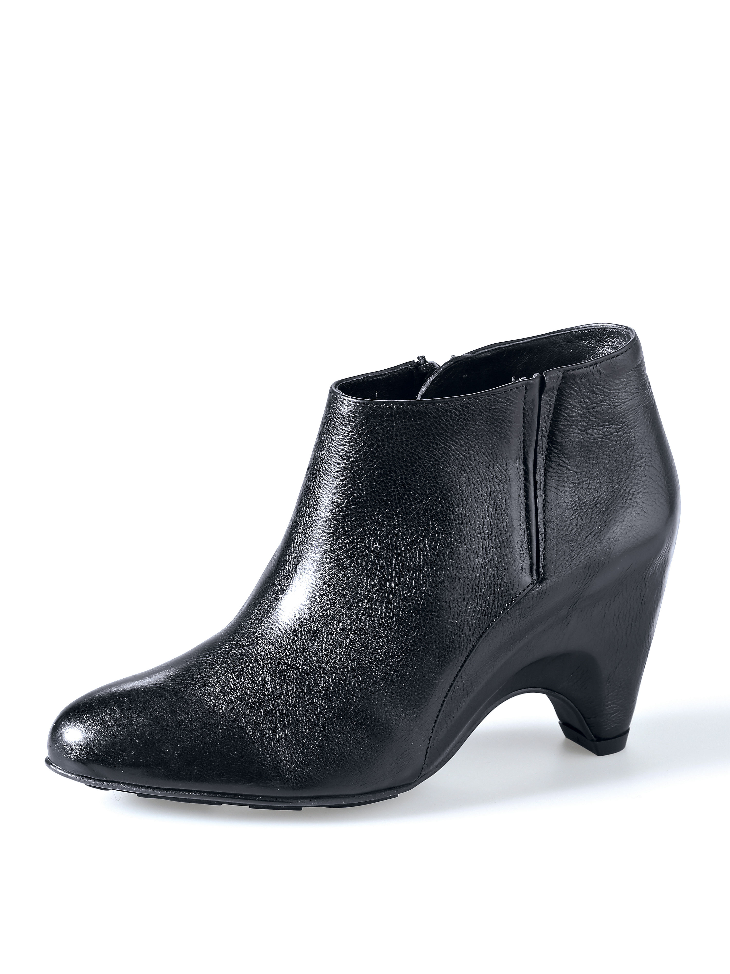 Ankle boots from the Butterflight collection Högl black